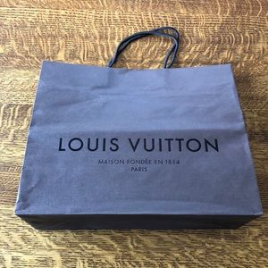 Louis Vuitton Medium size shopping bag